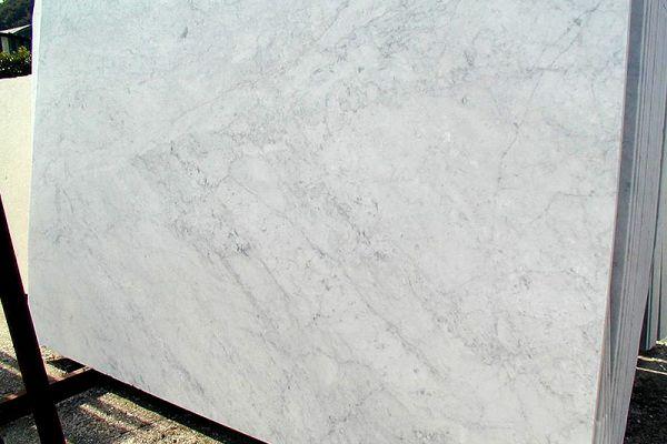 bianco-carrara-cd-07996CA8E3-CE7A-0D19-8000-728CFD0A806E.jpg