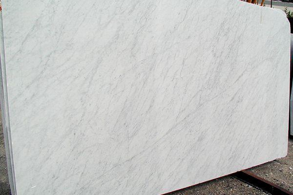 bianco-carrara-c-0139115526-1C30-E56F-8856-75B4DA455A63.jpg