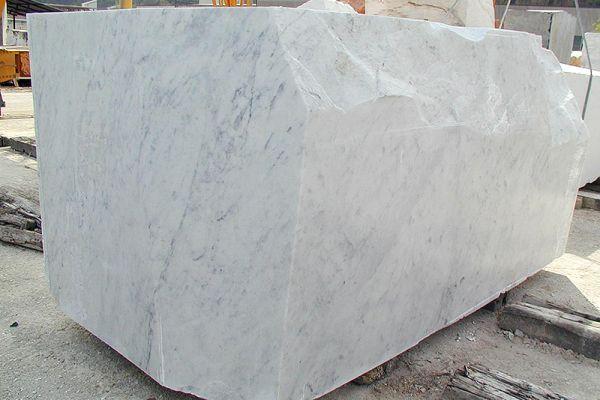bianco-carrara-c-04F59AAD36-3B2F-24C1-EBD1-0D11B2411B79.jpg