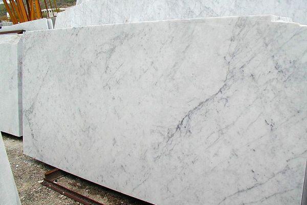 bianco-carrara-c-05504F6A9E-D914-668A-52B3-12D826A39307.jpg