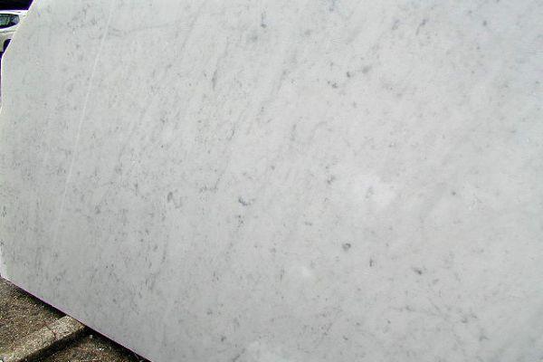 bianco-carrara-c-06FC31305F-5A16-9D52-C2DF-9C0557529A70.jpg