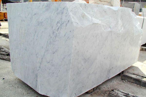 blocco-bianco-carrara-c-015987BF05-AB9D-951F-F243-CBED76F43AD3.jpg